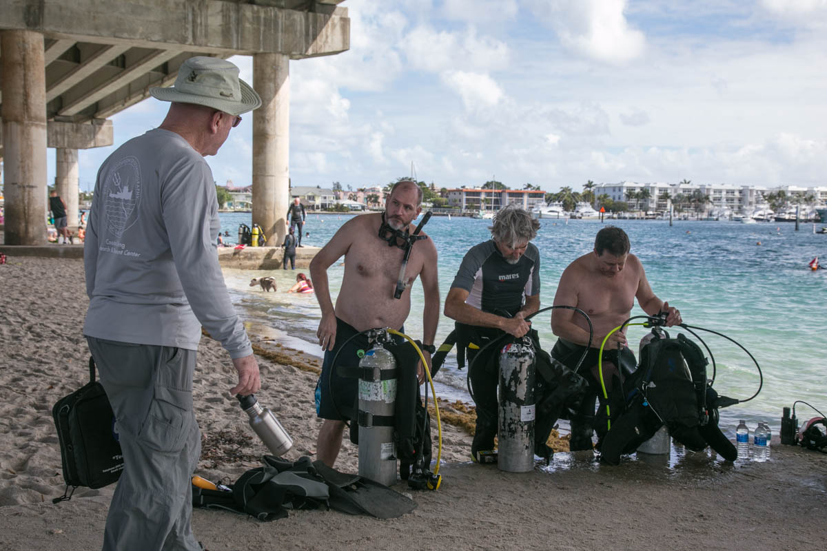 Dan O'Brien leading team training using technology for search recovery of MIA- Photo By Harry Parker Photography
