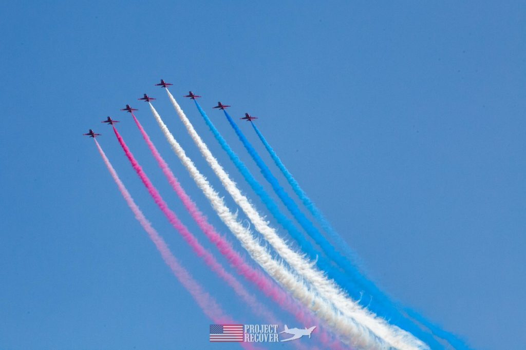 eight jets in formation at airshow