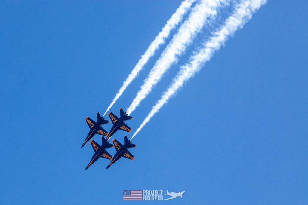 blue angels jets in formation