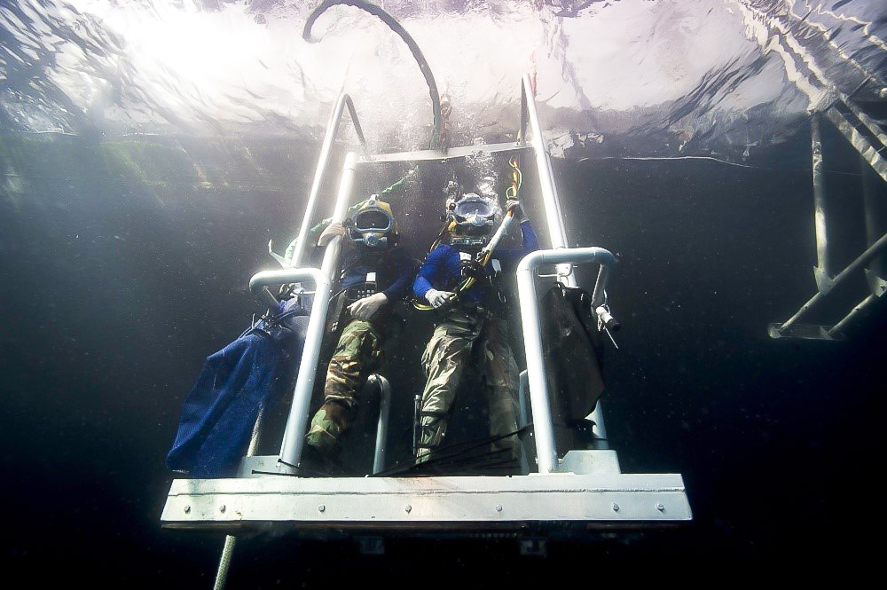 Navy Divers Descend